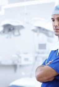 Хирург- онколог рассказал о симптомах рака кишечника