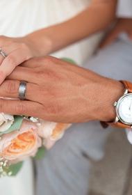 Клинический психолог рассказал, почему 85 % браков в России гомогамны