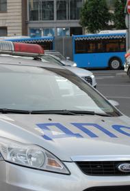 Полицейские установили личность водителя, врезавшегося в ворота резиденции посла США в Москве