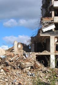 В Индии обрушилось здание, число погибших превысило 20 человек