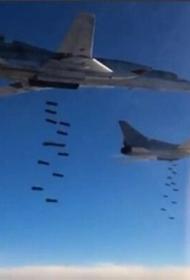 Три пары российских Ту-22 отработали бомбовый удар на полигоне в Белоруссии