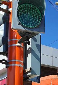 На улицах Иркутска завершаются работы по монтажу новых светофоров