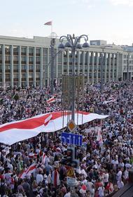Силы милиции стянули в центр Минска