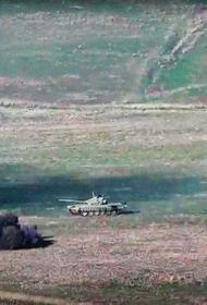 Азербайджан бросил в бой свои танки и несет крупные потери