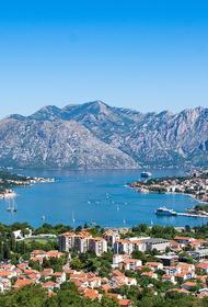 Власти Черногории решили ввести в трех городах комендантский час