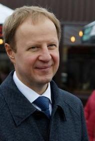 Губернатор Алтайского края Виктор Томенко попал в больницу с пневмонией