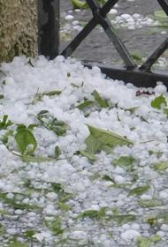 На Стамбул обрушился мощный ливень с градом диаметром до 50 мм