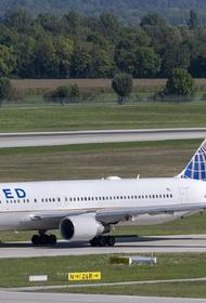 United Airlines решила сократить планы по увольнениям