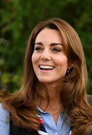 Кейт Миддлтон пообщалась со скаутами и поджарила с ними зефир на костре