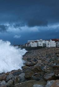 В Сочи ожидаются грозы и волнение моря