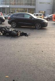 В Челябинске кроссовер врезался в мотоцикл