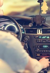 Автоэксперт Александр Лыткин заявил, что по статистике 50% кандидатов в водители не могут сдать «площадку» с первого раза