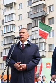Президент Татарстана открыл памятник Габдулле Тукаю в Челябинске