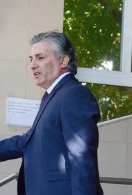 Эльман Пашаев заявил, что на него напали около здания телеканала «360» в Москве