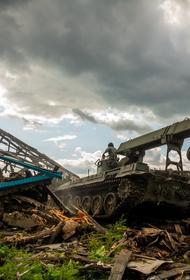 Сводный отряд Минобороны завершил снос аварийных построек в Тулуне