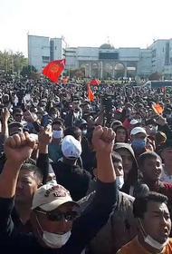 Киргизия обошла Украину по майданам
