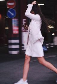 Звезда шоу «Холостяк» Виктория Короткова на «Гелендвагене» ночью сбила пешехода на Кутузовском проспекте