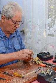 Член Общественной палаты предлагает доплачивать работающим пенсионерам МРОТ к зарплате