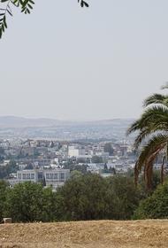 В столице Туниса из-за распространения COVID-19 вводится комендантский час