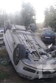 В Краснодаре трамвай врезался в автомобиль