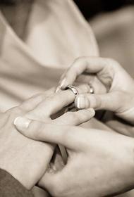 В США молодожены погибли в авиакатастрофе через четыре дня после свадьбы
