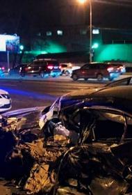 Пять автомобилей столкнулись на Кутузовском проспекте в Москве. ДТП заснял видеорегистратор