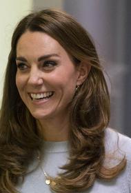 Эксперт по языку тела Джеймс заявила, что принц Филипп очарован герцогиней Кейт