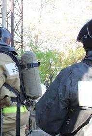При пожаре в частном доме в Якутске погибли женщина и двое детей