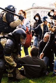 Насилие впервые за три месяца. 10 октября ОМОН впервые применил силу против демонстрантов в Хабаровске
