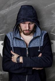 Исследователи рассказали, что умные представители сильного пола реже склонны изменять своим спутницам жизни