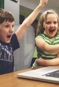 Эксперты сообщили, каким рискам подвергаются дети в интернете и как их избежать