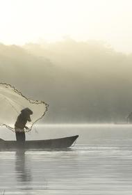 В Шатуре тонущего рыбака спасли на озере