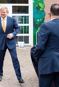 Король Нидерландов прервал отпуск в Греции, чтобы уйти на карантин