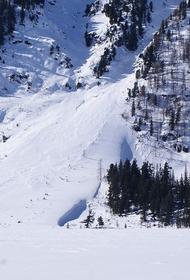 Спасатели нашли в горах Алтая тело мужчины