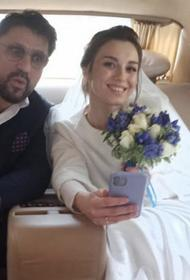 Виктор Логинов и Мария Гуськова поженились в Петербурге