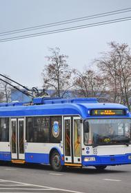 Во Владимирской области в городе Коврове троллейбус врезался в столб
