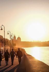 Жители России перечислили лучшие города страны для путешествий осенью
