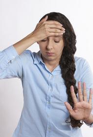 Невролог Ринат Богданов рассказал, чем опасна мигрень