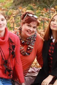 В Подмосковье приемная семья помогает девушке, которую мать не выпускала из дома