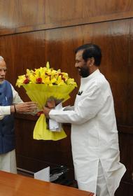 Премьер Индии попал в скандал из-за политической торговли вакциной от коронавируса
