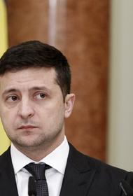 Украинец подал на Зеленского в суд из-за «пяти важных вопросов» в день местных выборов