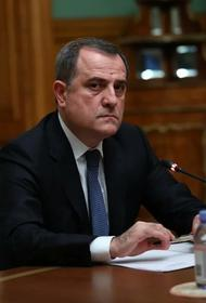 Глава МИД Азербайджана Джейхун Байрамов и госсекретарь США Майкл Помпео обсудили ситуацию вокруг Карабаха