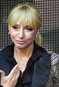 Галкин показал Орбакайте, приехавшую к маме Алле Пугачевой после спектакля