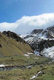 На Эльбрусе пропала 30-летняя туристка. Женщину ищут четвертый день