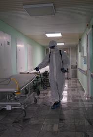 Военнослужащие ЦВО провели дезинфекцию помещений Свердловской областной клинической больницы