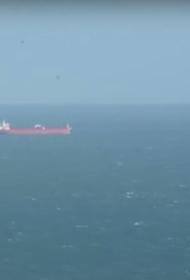 Спецназ освободил захваченный безбилетниками танкер