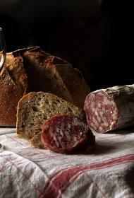 Врач-гастроэнтеролог Инна Мазько рассказала, кому нельзя есть колбасу