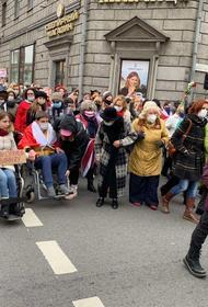 Очевидцы рассказывают о задержании участников митинга женщин и инвалидов в Минске