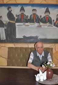 Волгоград простился с художником Петром Зверховским