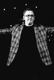 В Хабаровске от коронавируса скончался руководитель ансамбля «Дальний Восток»